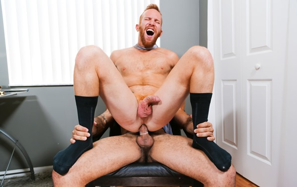 men-over-30-steven-ponce-and-alessio-romero-office-fuck