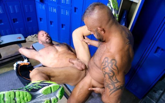 men-over-30-vic-rocco-and-jon-galt-locker-rom-sex